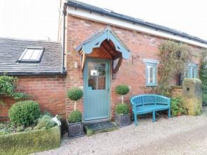 2 bedroom property near Ashbourne, Derbyshire, England