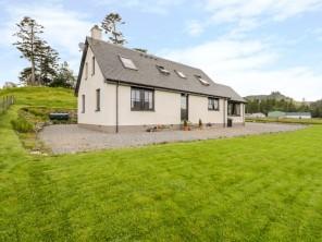 2 bedroom property near Newtonmore, Highlands, Scotland