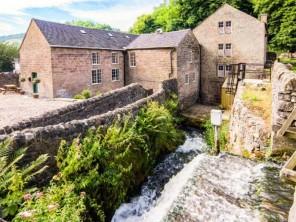 9 bedroom property near Matlock, Derbyshire, England
