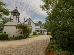 6 bedroom property near Worcester, Worcestershire, England