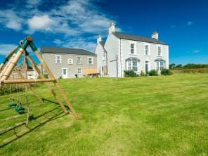 6 bedroom property near Llanerchymedd, North Wales, Wales