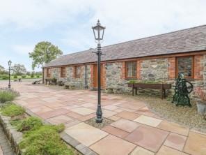 1 bedroom property near Caernarfon, North Wales, Wales