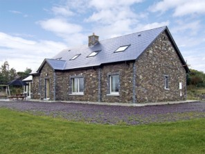 6 bedroom property near Ireland