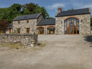 3 bedroom property near Ireland