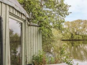 1 bedroom property near Tewkesbury, Worcestershire, England
