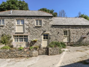 2 bedroom property near Newquay, Cornwall, England