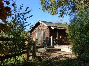 1 bedroom property near Haslemere, Sussex, England