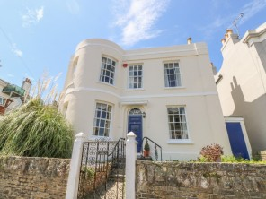 6 bedroom property near Ryde, Isle of Wight, England