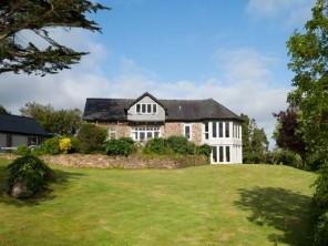 4 bedroom property near Helston, Cornwall, England