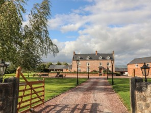 8 bedroom property near Llanymynech, Powys / Brecon Beacons, Wales