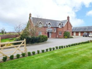 5 bedroom property near Chester, Chester, England