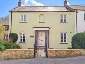3 bedroom property near St. Austell, Cornwall, England