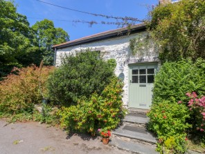 1 bedroom property near Falmouth, Cornwall, England