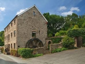 5 bedroom property near Barnstaple, Devon, England
