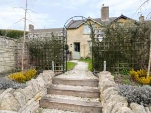 3 bedroom property near Cheltenham, Gloucestershire, England