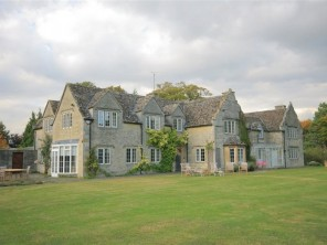 8 bedroom property near Witney, Oxfordshire, England