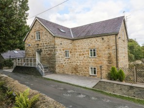 6 bedroom property near Llanfairpwllgwyngyll, North Wales, Wales
