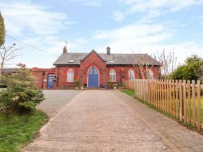 1 bedroom property near Bagillt, North Wales, Wales