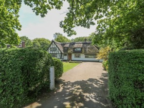 4 bedroom property near Liverpool, Cheshire, England