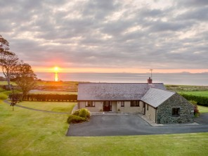 4 bedroom property near Llwyngwril, North Wales, Wales