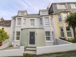 5 bedroom property near Newquay, Cornwall, England