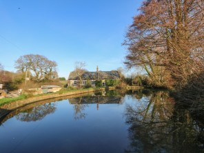 4 bedroom property near Yarmouth, Isle of Wight, England