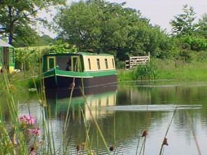 2 Bedroom Static Houseboat in England, Devon, Holsworthy