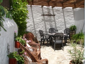 2 Bedroom Quiet Cottage in Spain, Andalucia, El Burgo , Ronda