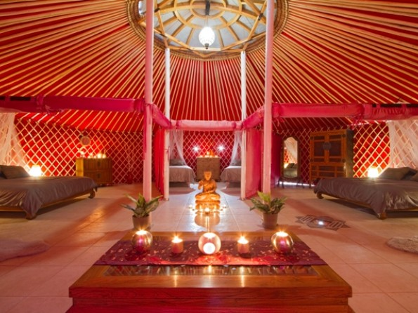 Yurt Royale - interior