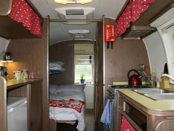 2 Bedroom Airstream Caravans Near The Coast In Suffolk
