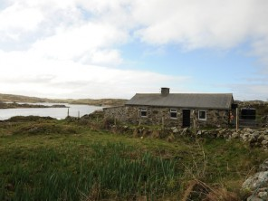 2 Bedroom Stone Cottage in Ireland, Galway / County Clare, Clifden