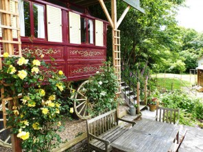 1 Bedroom Gypsy Wagon in England, Hampshire, Milford on Sea