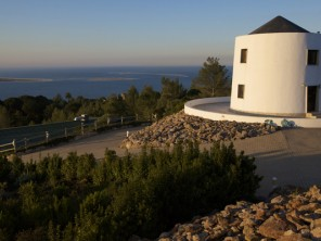 2 Bedroom Scenic Windmill in Portugal, Lisbon & Costa de Lisboa, Setubal