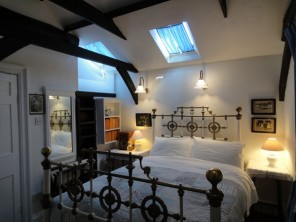 3 Bedroom Cottage With a Walled Garden in Ely, Cambridgeshire, England