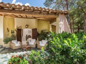 5 Bedroom Beachfront Villa in Italy, Sardinia, Villasimius