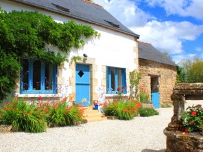 Chic 2 Bedroom Stone Cottage with Garden & Hot Tub in Morbihan, Southern Brittany, France