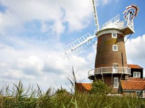 Windmills / Millhouses