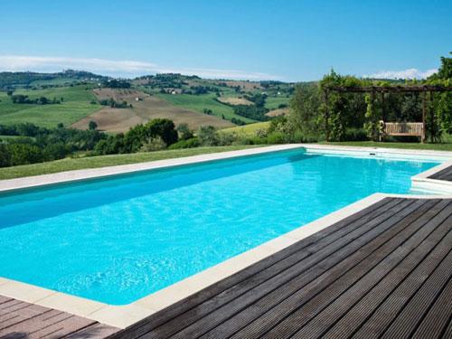 Shared pool at Casal dei Fichi