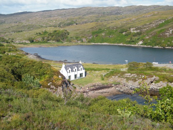 Lochfront cottage in the Scottish Highlands