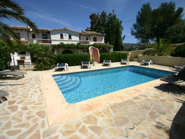Villa with pool in Spain