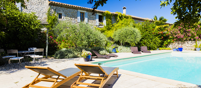 Gites with shared pool in France