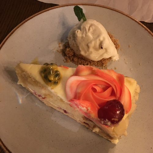 Bakewell cake