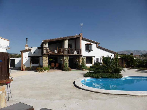 villa with pool in Andalucia