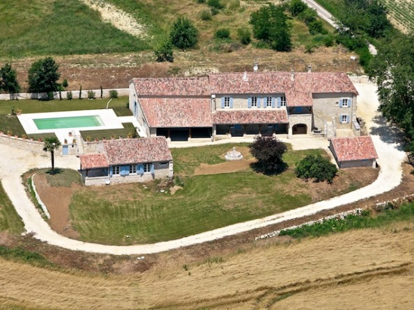 Renovated farmhouse in Gascony with swimming pool