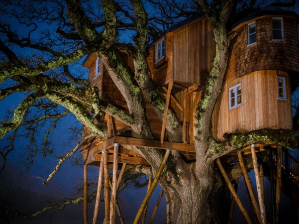 Treetops treehouse in Devon