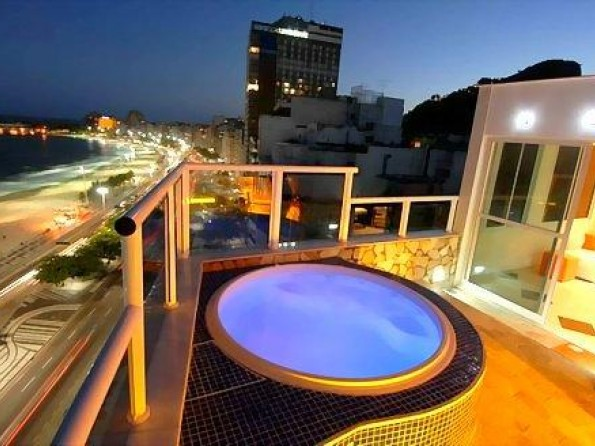 Penthouse apartment in Rio with private hot tub